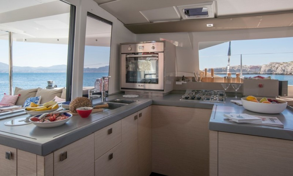 Rental yacht Furnari - Fountaine Pajot Astrea 42 on SamBoat