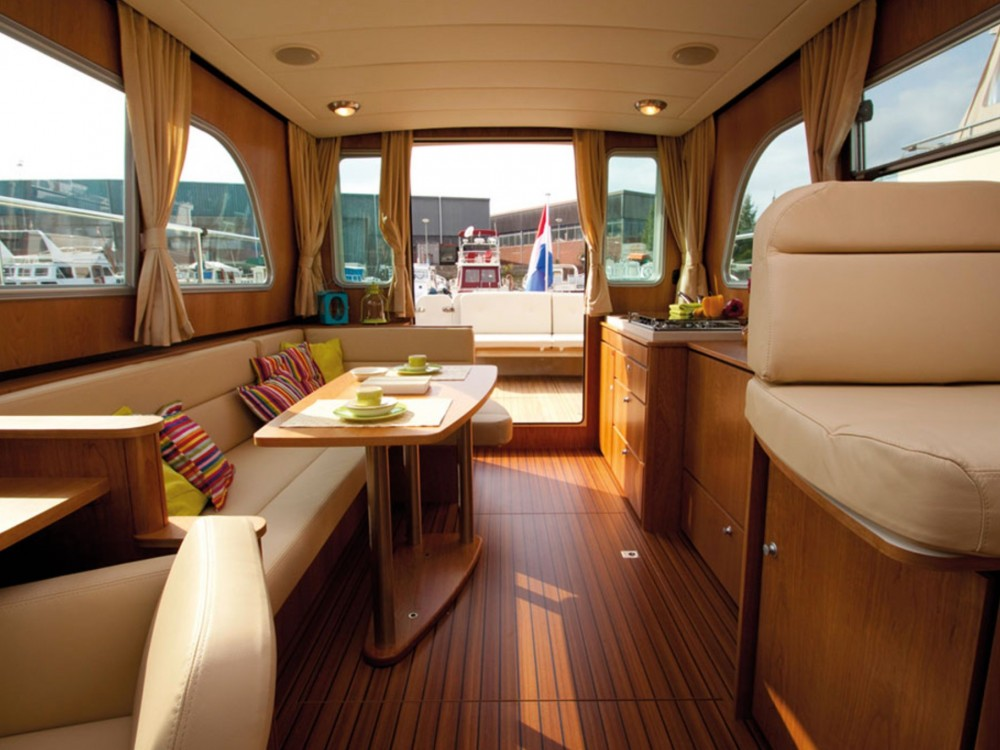 Hire Motor boat with or without skipper Linssen Werder