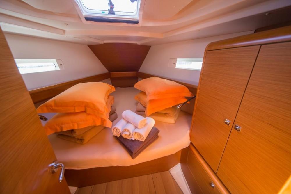 Rent a Jeanneau Sun Odyssey 449 La Spezia