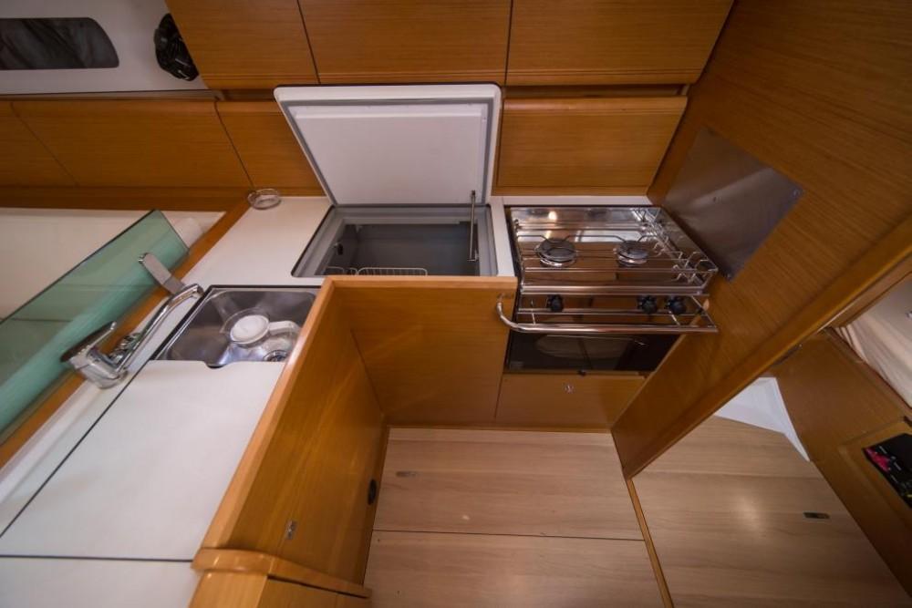 Rental yacht La Spezia - Jeanneau Sun Odyssey 449 on SamBoat