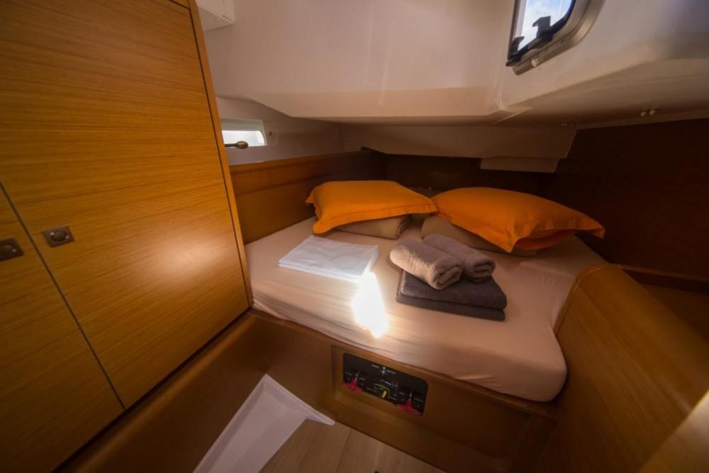 Jeanneau Sun Odyssey 449 between personal and professional La Spezia