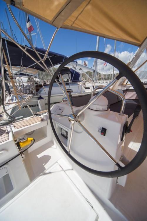 Rental Sailboat in La Spezia - Bénéteau Oceanis 48