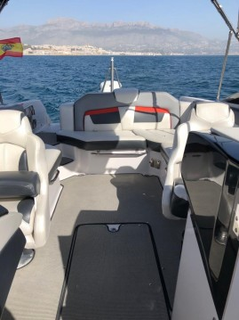Four Winns HD 240 OB between personal and professional Altea