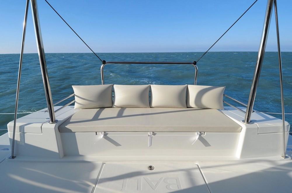 Rental Catamaran in Newport - Bali Catamarans Bali 4.1