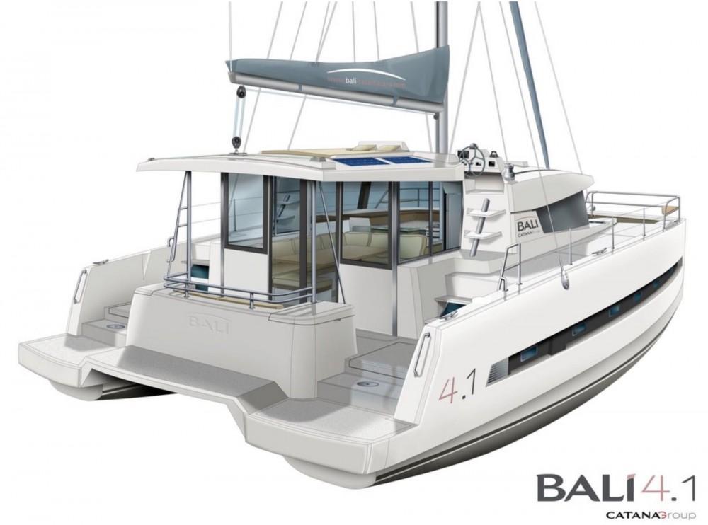Catamaran for rent Newport at the best price