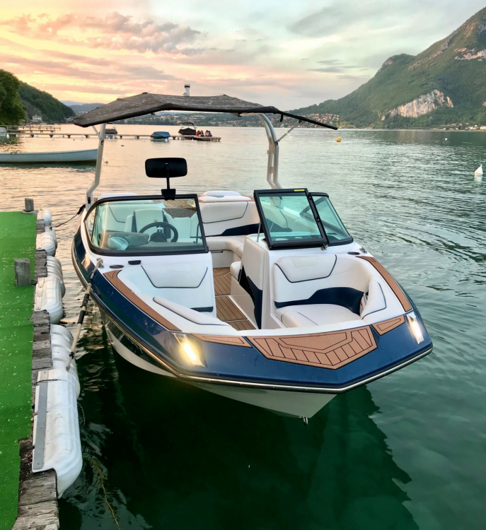 Rent a Nautique Correct Craft GS20 Annecy