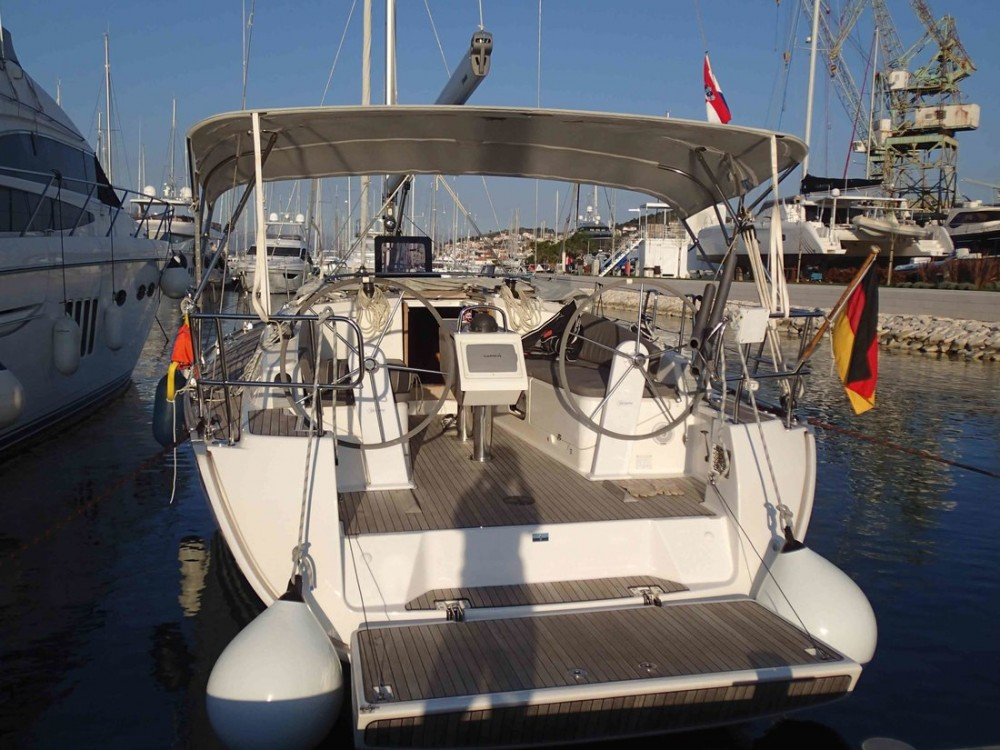 Rental Sailboat in Vrsar - Bavaria Bavaria Cruiser 37 - 3 cab.