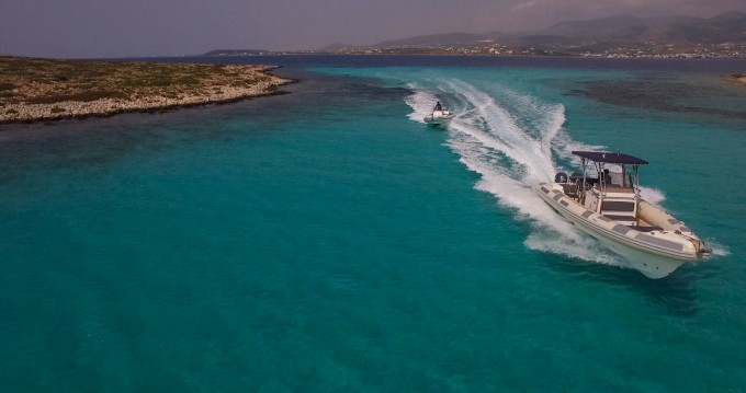 Rent a Great White 10M Faethon 900 Paros Island