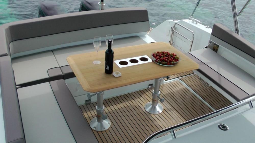 Boat rental Jeanneau Cap Camarat 10.5 WA in Grimaud on Samboat