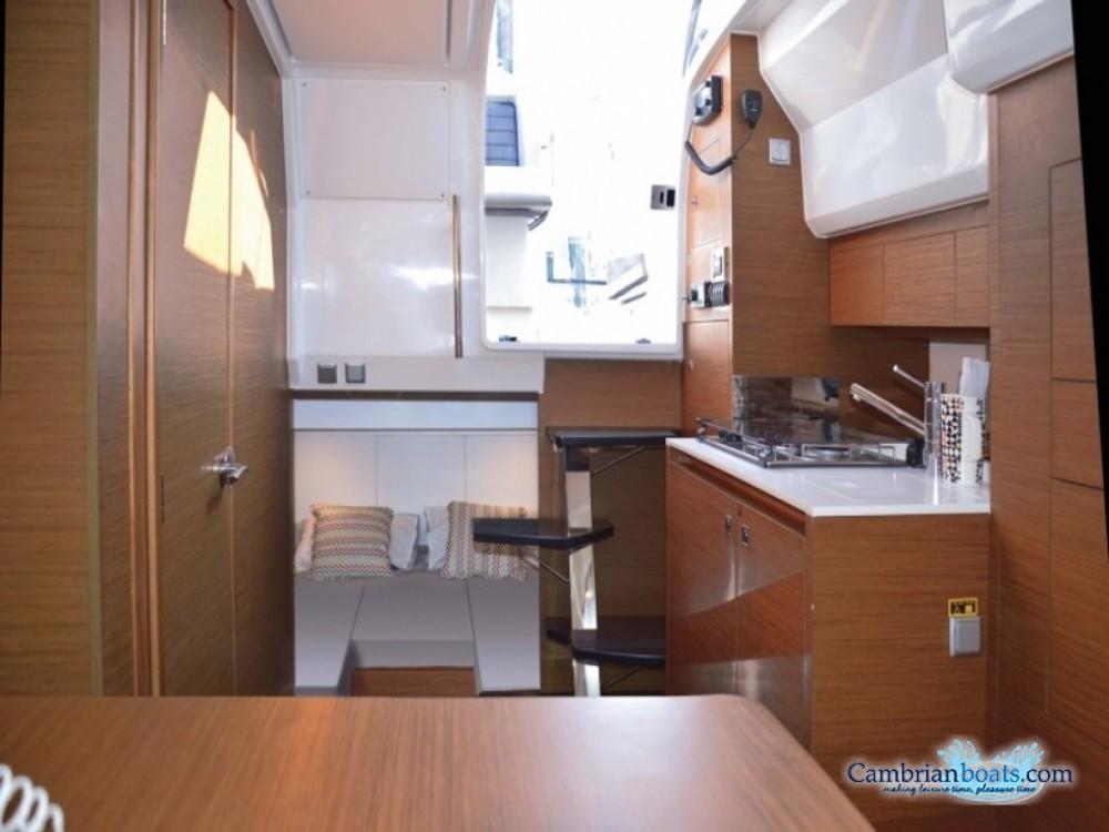 Boat rental Grimaud cheap Cap Camarat 10.5 WA