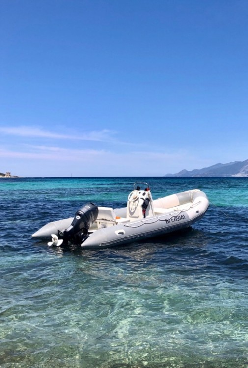 Hire RIB with or without skipper Bombard Saint-Florent
