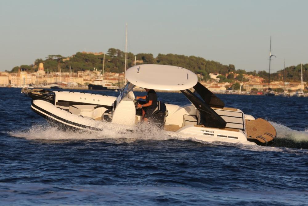 Rental RIB Wimbi Boats with a permit