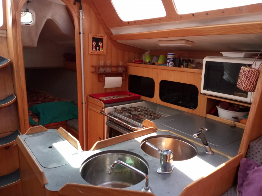 Hire Sailboat with or without skipper Kirie Marseille