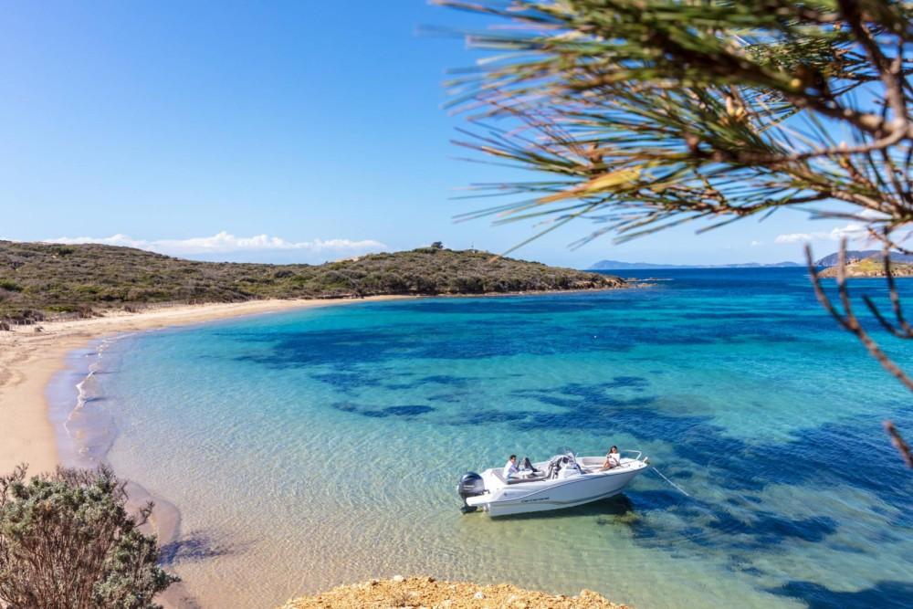Boat rental es Mercadal cheap Cap Camarat 6.5 CC