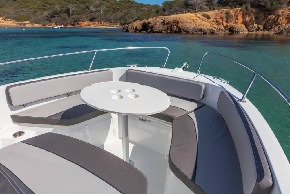 Rental Motorboat in es Mercadal - Jeanneau Cap Camarat 6.5 CC