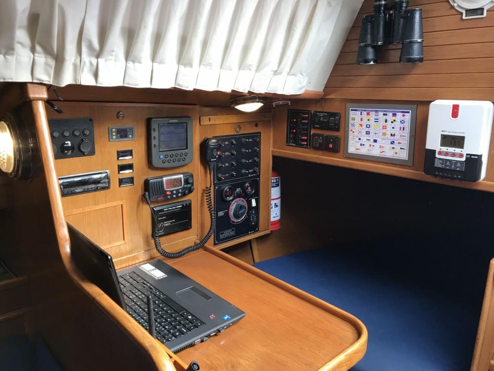 Boat rental Furia 33 in  on Samboat