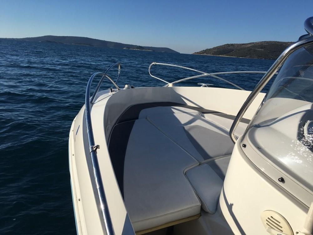 Boat rental Quicksilver Quicksilver 635 Commander in Trogir on Samboat