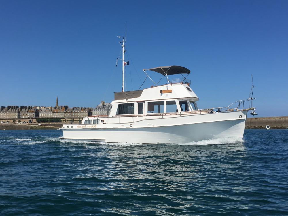 Boat rental Saint-Malo cheap Grand Banks 42 Classic