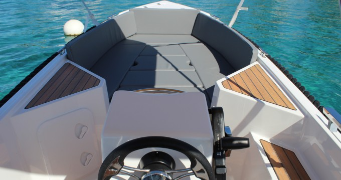 Rental Motorboat Sylver Yacht with a permit