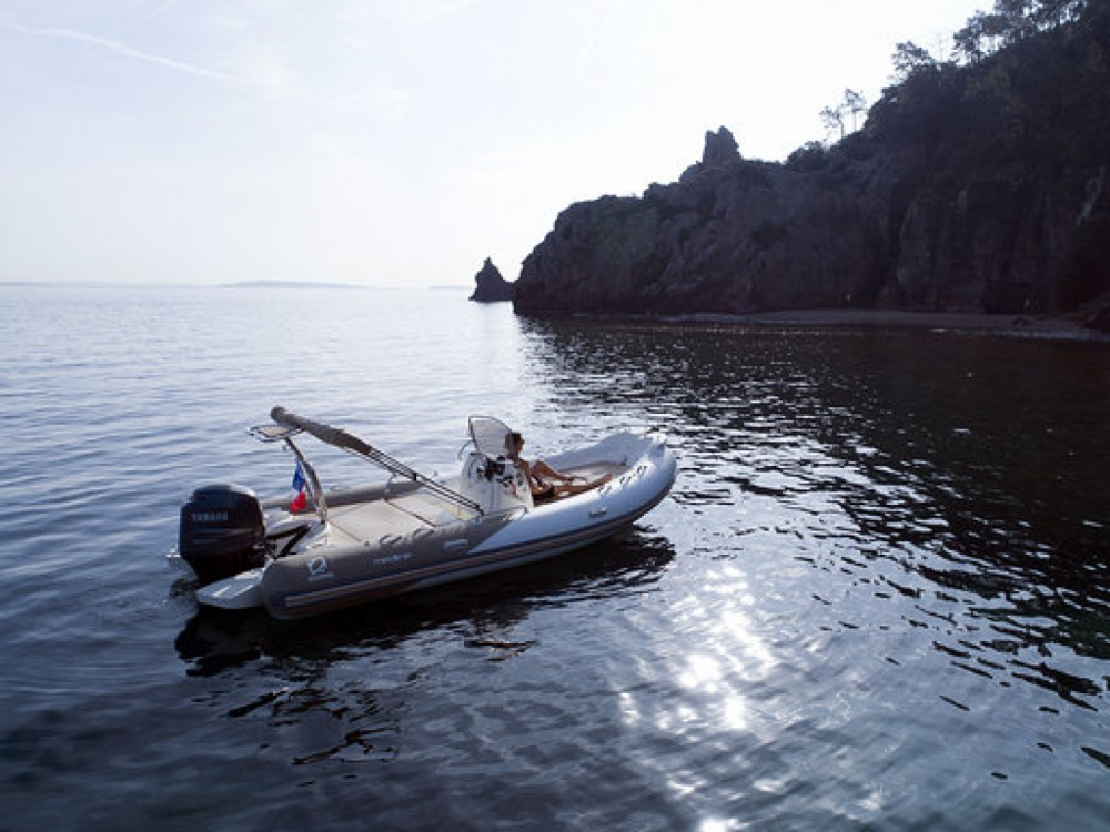 Rent a Zodiac Medline 650 Cannes