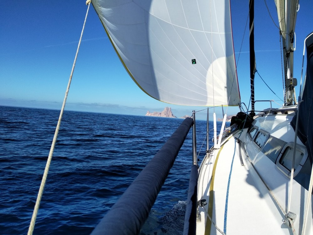 Hire Sailboat with or without skipper Elan la Savina