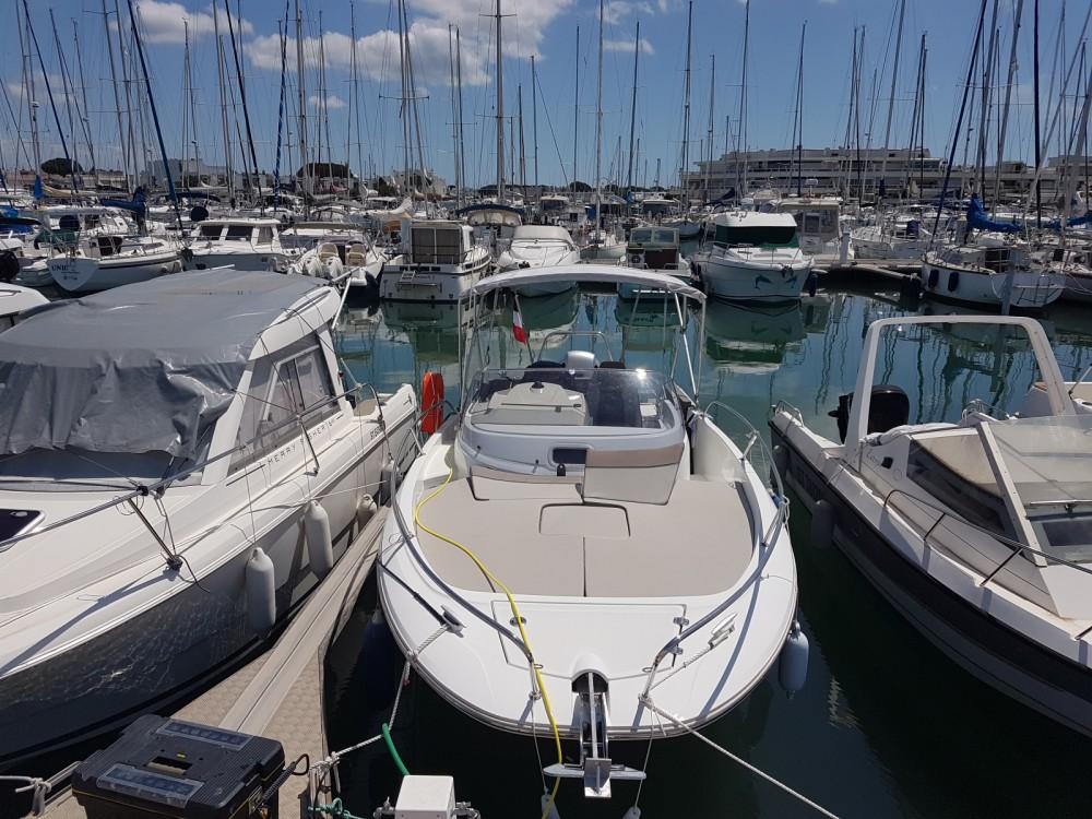 Boat rental Jeanneau Cap Camarat 7.5 WA Serie 2 in Le Grau-du-Roi on Samboat