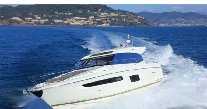 Rental Motorboat in Capo d'Orlando - Jeanneau Prestige 500 S