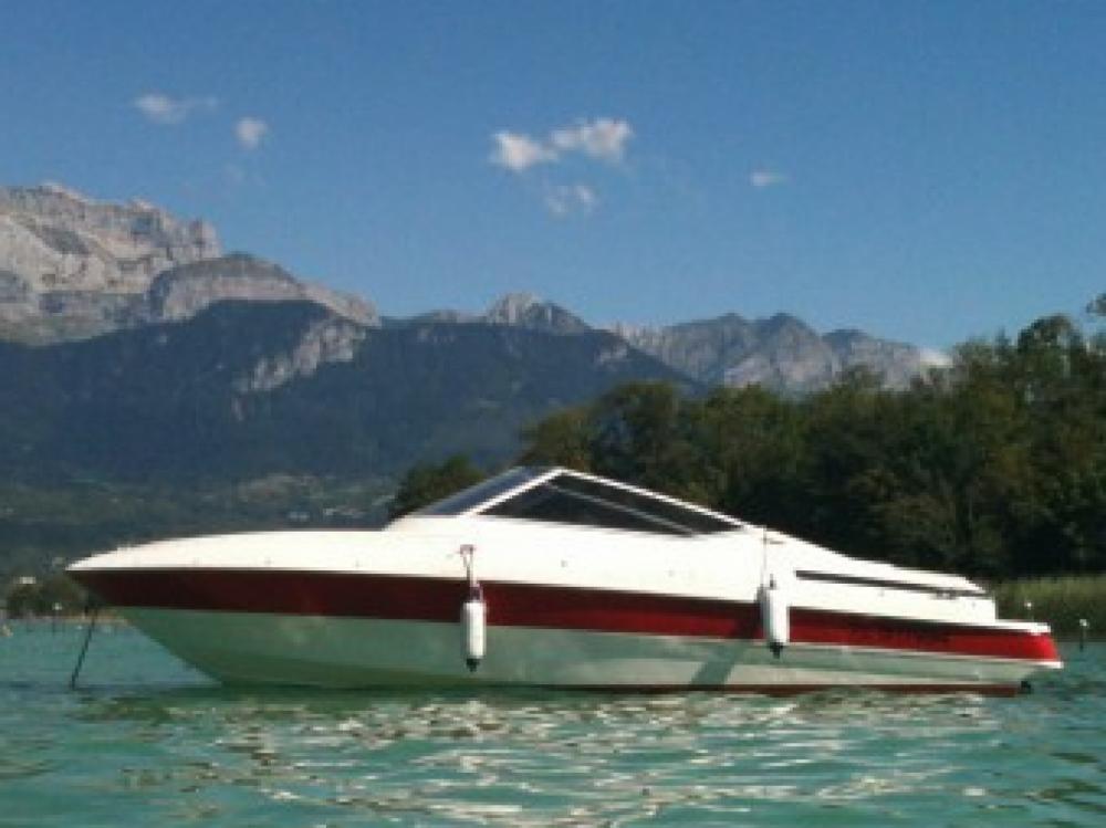 Rent a Maxum 2200SR3 Annecy