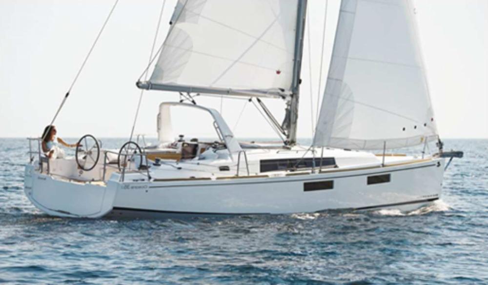 Rental Sailboat in Hyères - Bénéteau Oceanis 35.1
