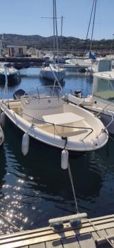 Motorboat for rent Roquebrune-sur-Argens at the best price