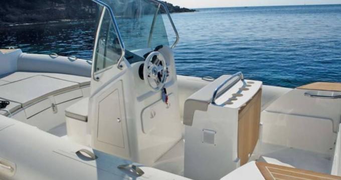 Rental yacht Saint-Florent - Capelli Tempest 700 on SamBoat