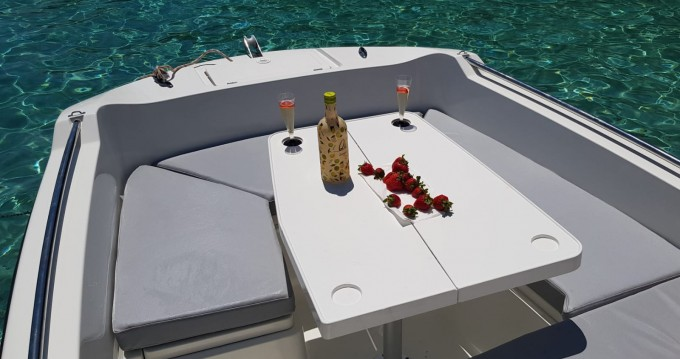 Hire Motorboat with or without skipper V2-Boat La Savina