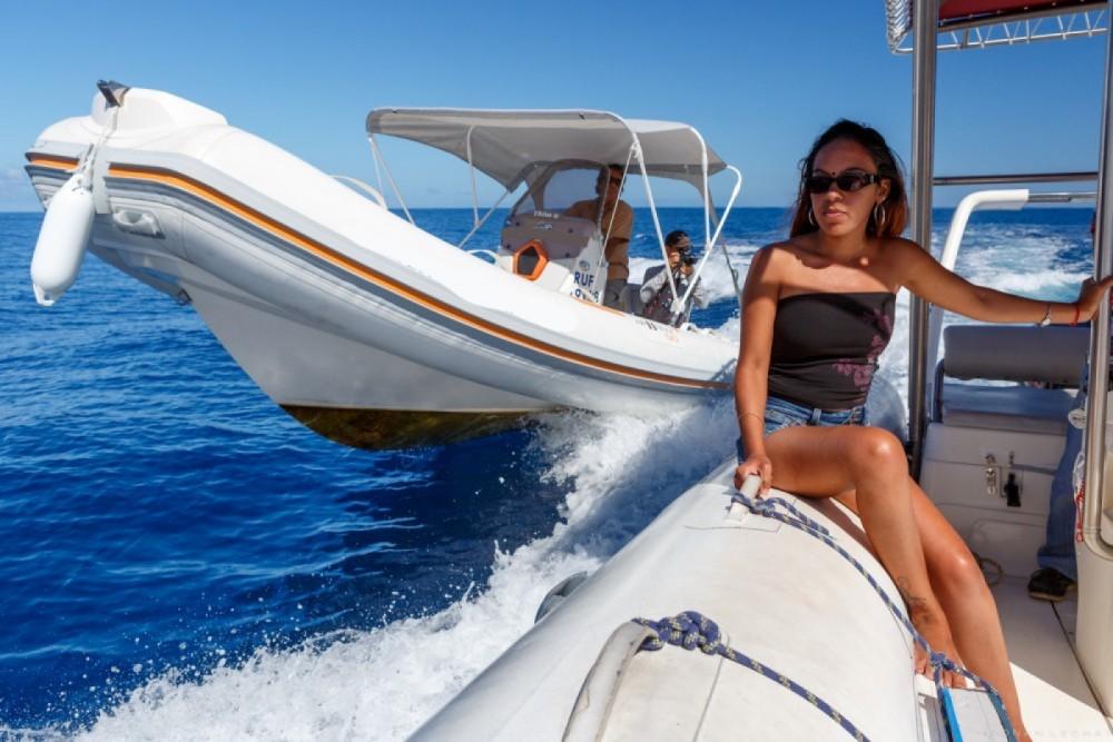 Rental yacht Saint-Gilles-les-Bains - Bwa Bwa 550 on SamBoat