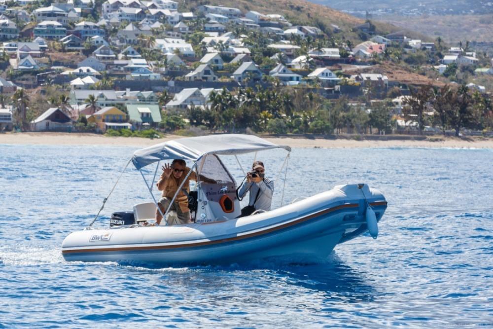 Boat rental Saint-Gilles-les-Bains cheap Bwa 550
