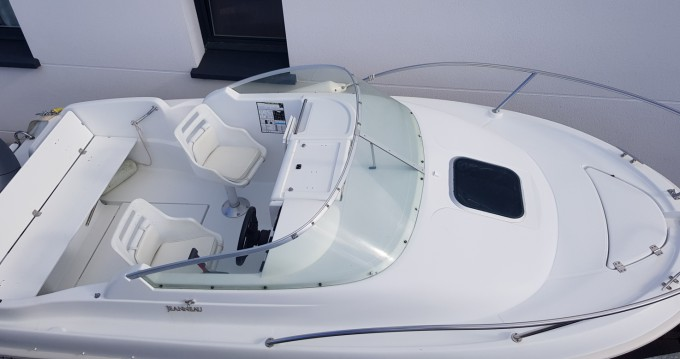 Motorboat for rent Douarnenez at the best price