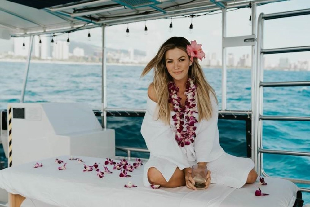 Hire Motorboat with or without skipper Corinthian Honolulu