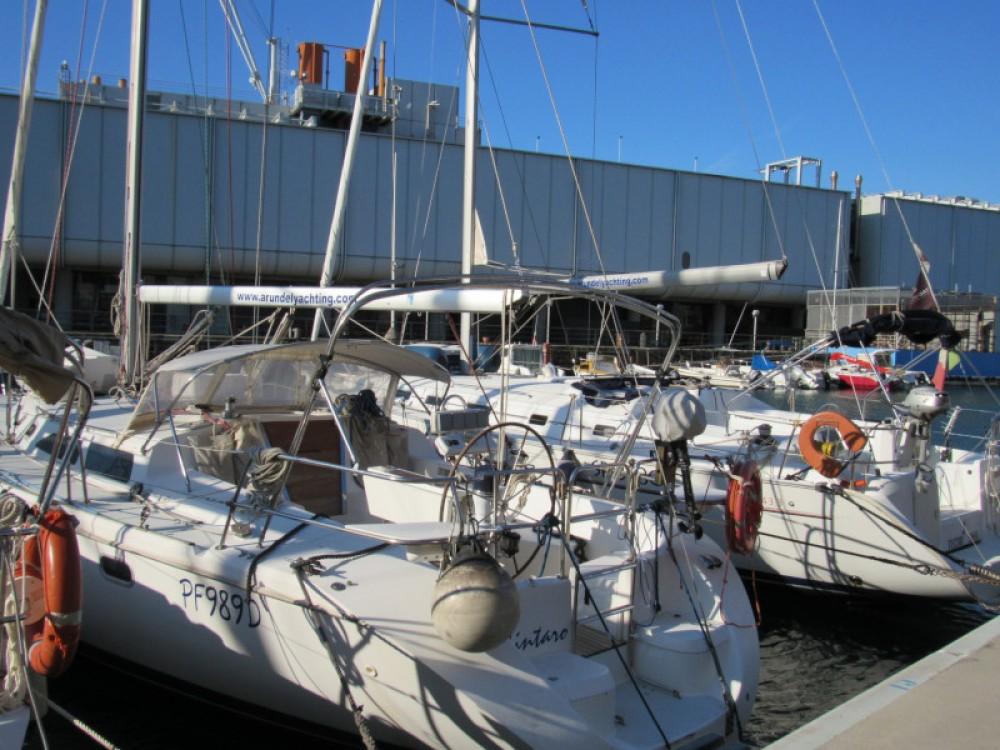 Boat rental Gênes cheap Catalina 42