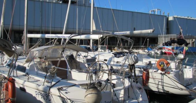 Boat rental Porto Antico cheap Catalina 42