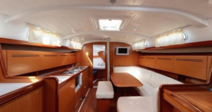 Sailboat for rent Porto Antico at the best price