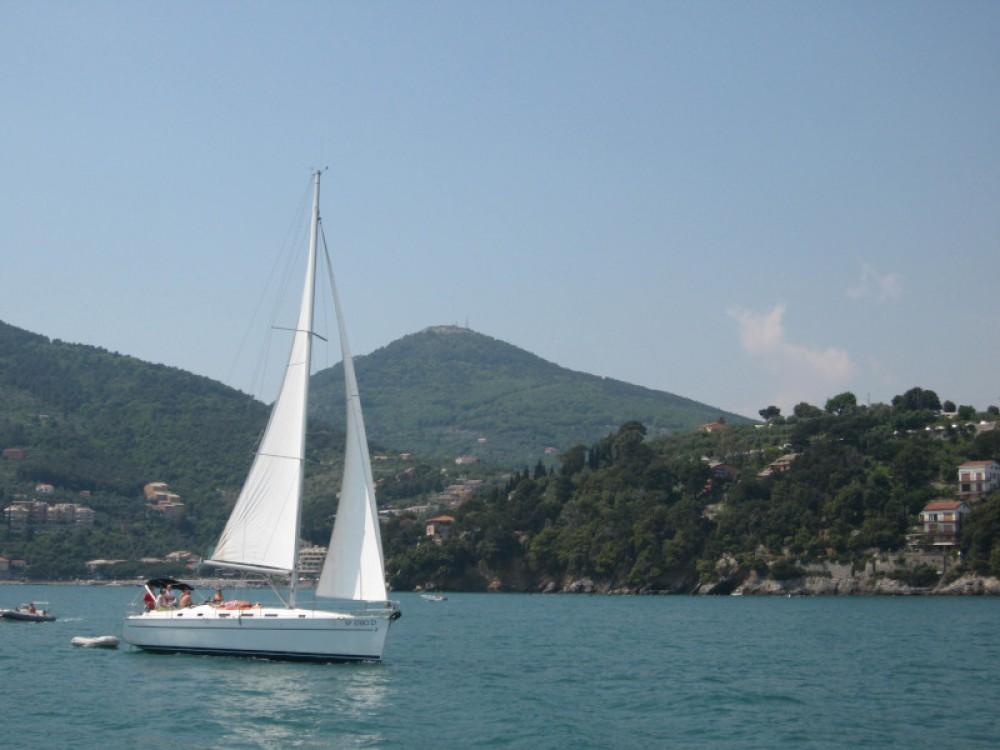 Boat rental Bénéteau Cyclades 43.3 in Genoa on Samboat