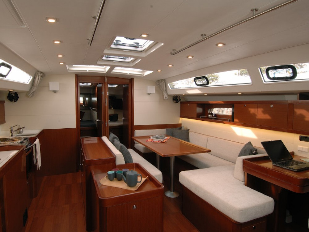 Bénéteau Oceanis 50 Family- 5+1 cab. between personal and professional Pirovac