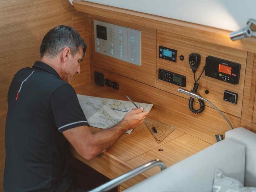 Boat rental Elan Elan Impression 45.1 in Pirovac on Samboat