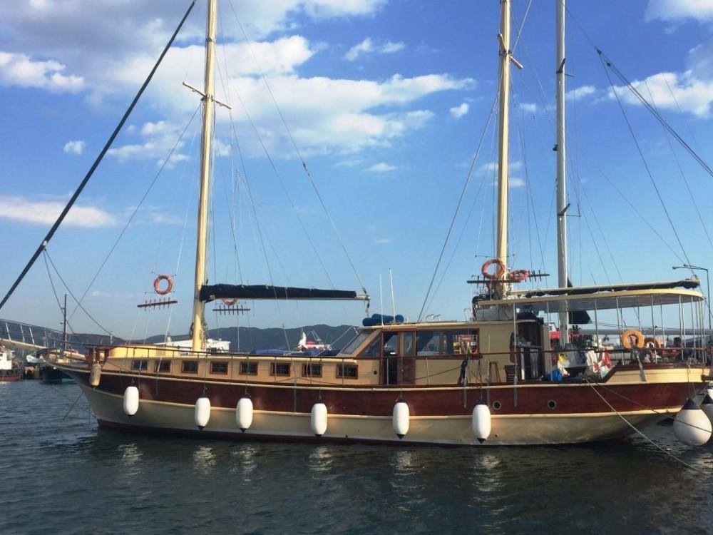 Rental Sailboat Marmaris with a permit