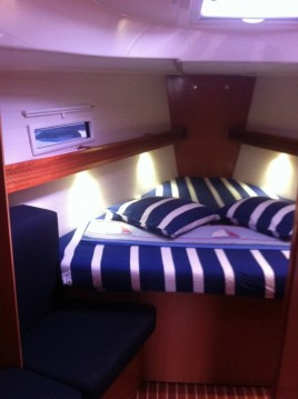 Sailboat for rent Kefalonia at the best price