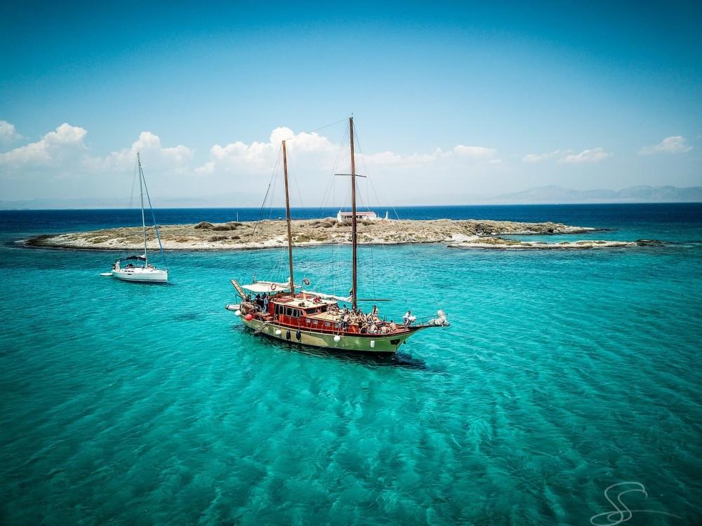Rent a Bodrum-Shipyard Gulet Athens
