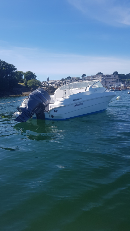 Rental Motorboat in Douarnenez - Jeanneau Leader 545