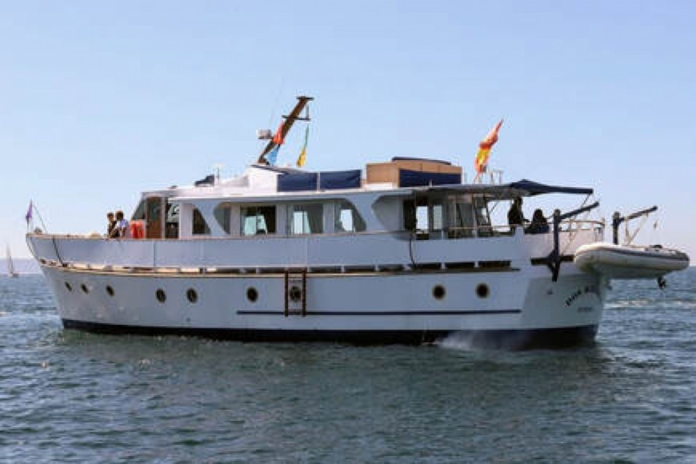 Yacht for rent Vigo at the best price