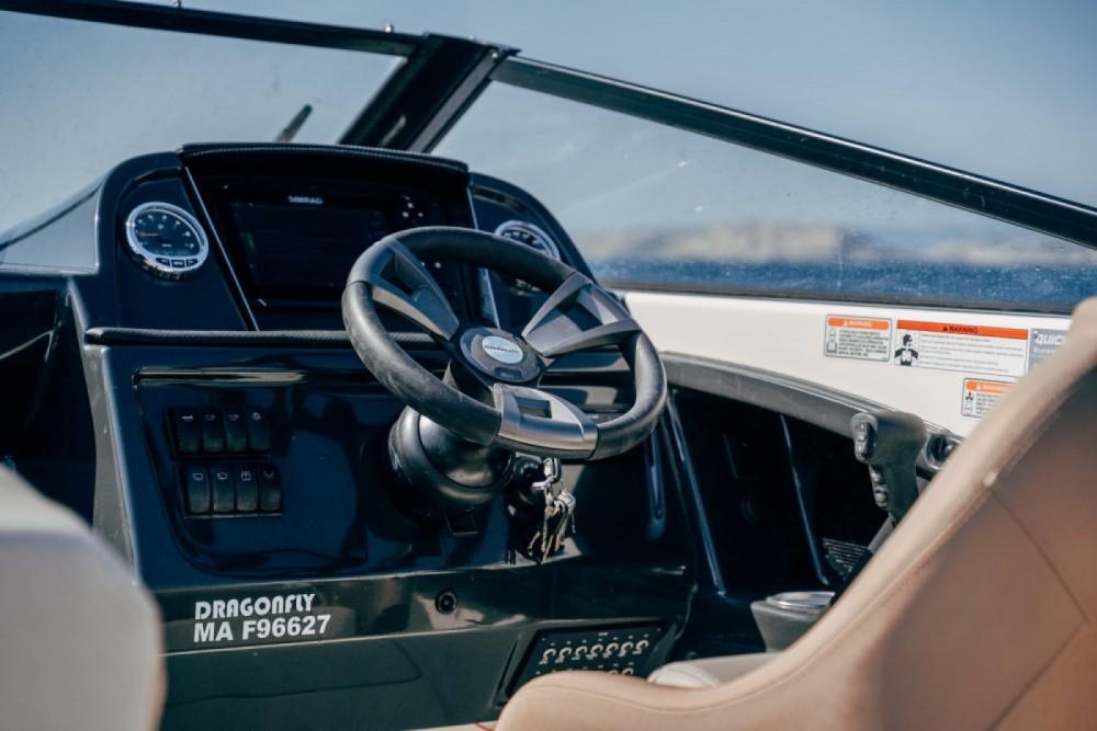 Rent a Quicksilver Activ 755 Cruiser Marseille