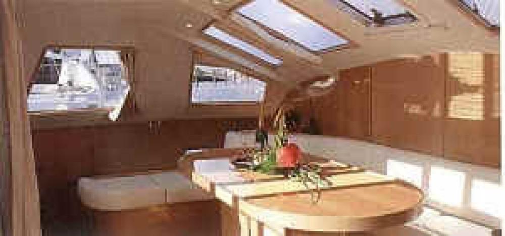 Boat rental  cheap Privilege 37