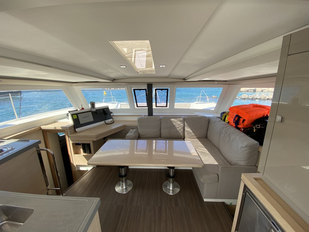 Hire Catamaran with or without skipper Fountaine Pajot Palma